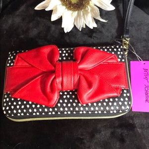 NWT!! Betsey Johnson wristlet